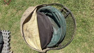 Braai grid, frying pan, collapsible dustbin